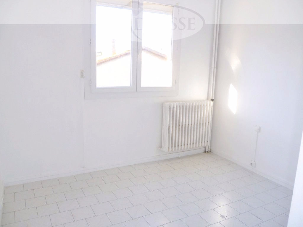 appartement-sete-3-piece-s-52-m2