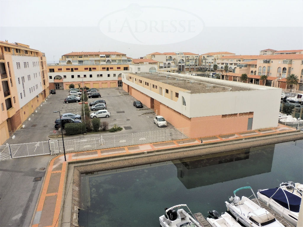 appartement-sete-de-type-studio-parking