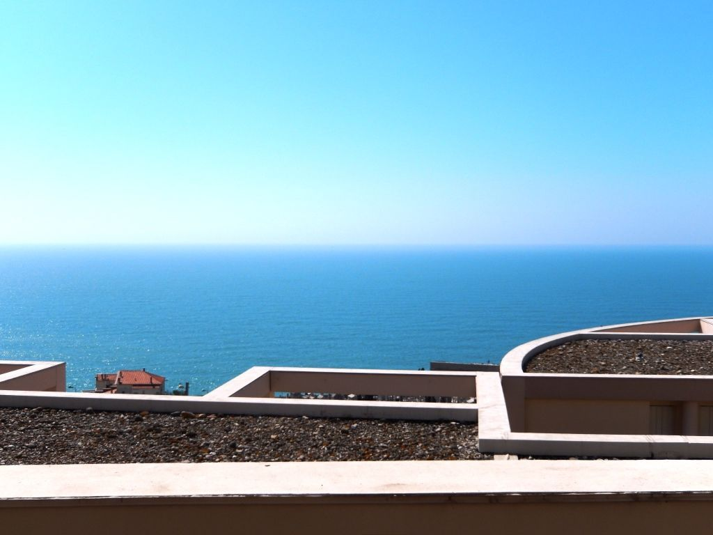 A vendre appartement sete 19 m l 39 adresse sete for Piscine fonquerne sete